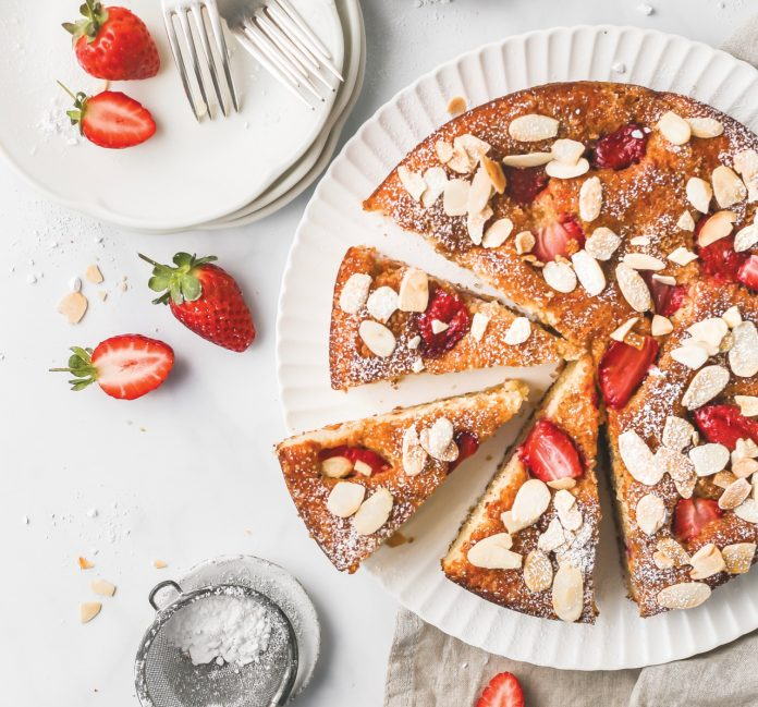 STRAWBERRY AND ALMOND BUTTERMILK CAKE