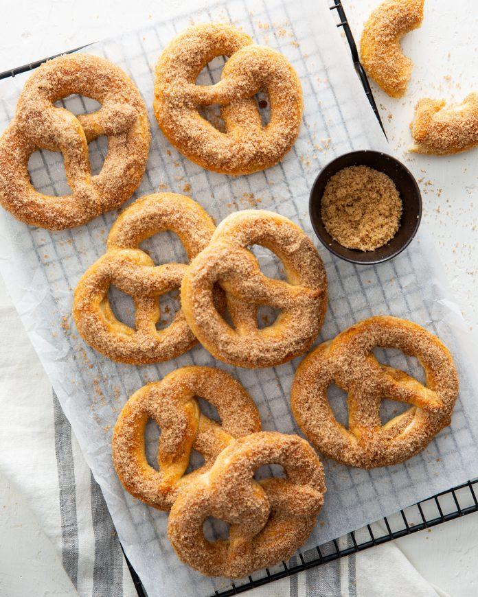 Cinnaman sugar pretzels on a tray.